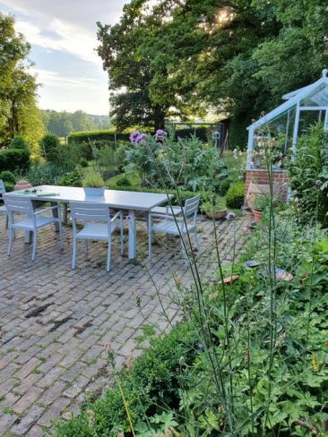 Unlock your garden to raise funds for Greenfingers